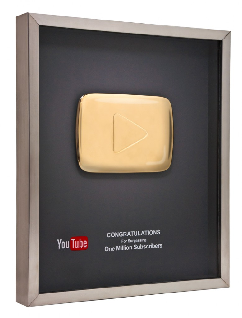 youTube Award Photo 779x1024 يوتيوب يقدم جوائز للقنوات الكبرى