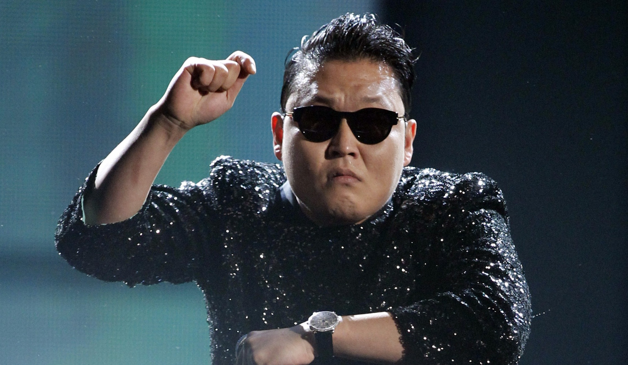 Gangnam Style تكسر الأرقام القياسية مع 2 مليار مشاهدة - عالم التقنية