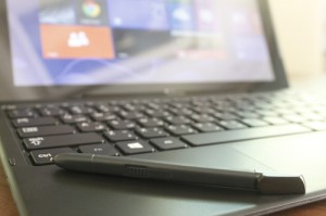 وجود القلم الإلكتروني يساعد في إنجاز الكثير
