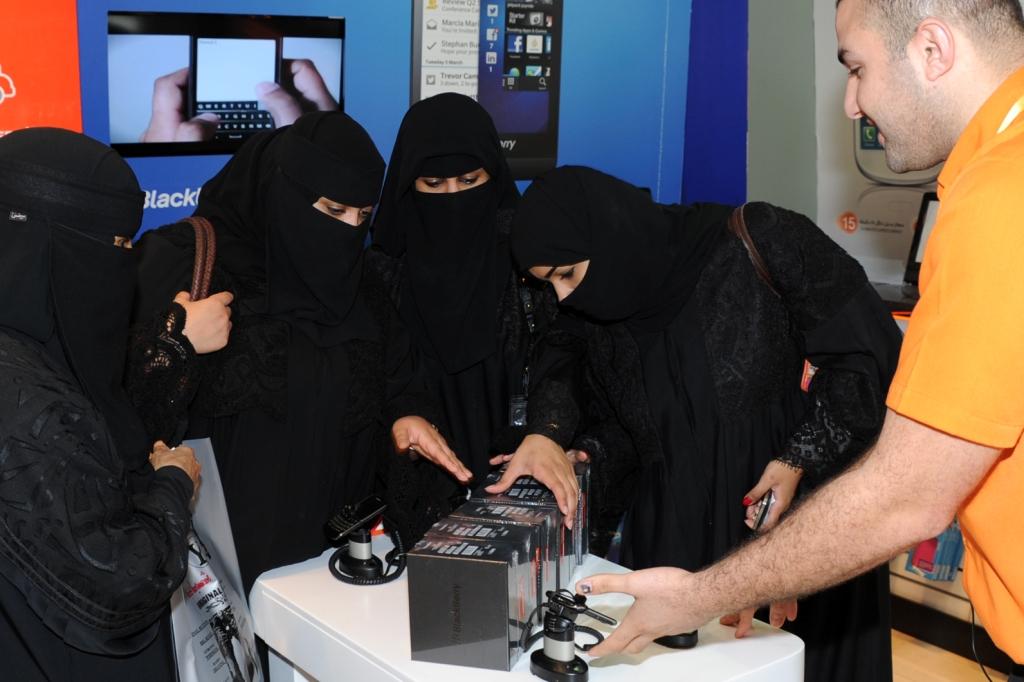 Axiom Telecom First Retailer To Sell BlackBerry Z10 in Saudi Arabia - 1