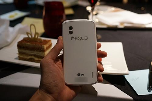 nexus 4 white