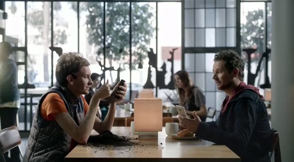 HTC-One-BlinkFeed-ad