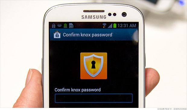 باحثون يكتشفون ثغرة أمنية خطيرة في هاتف جالاكسي اس 4 - عالم التقنية