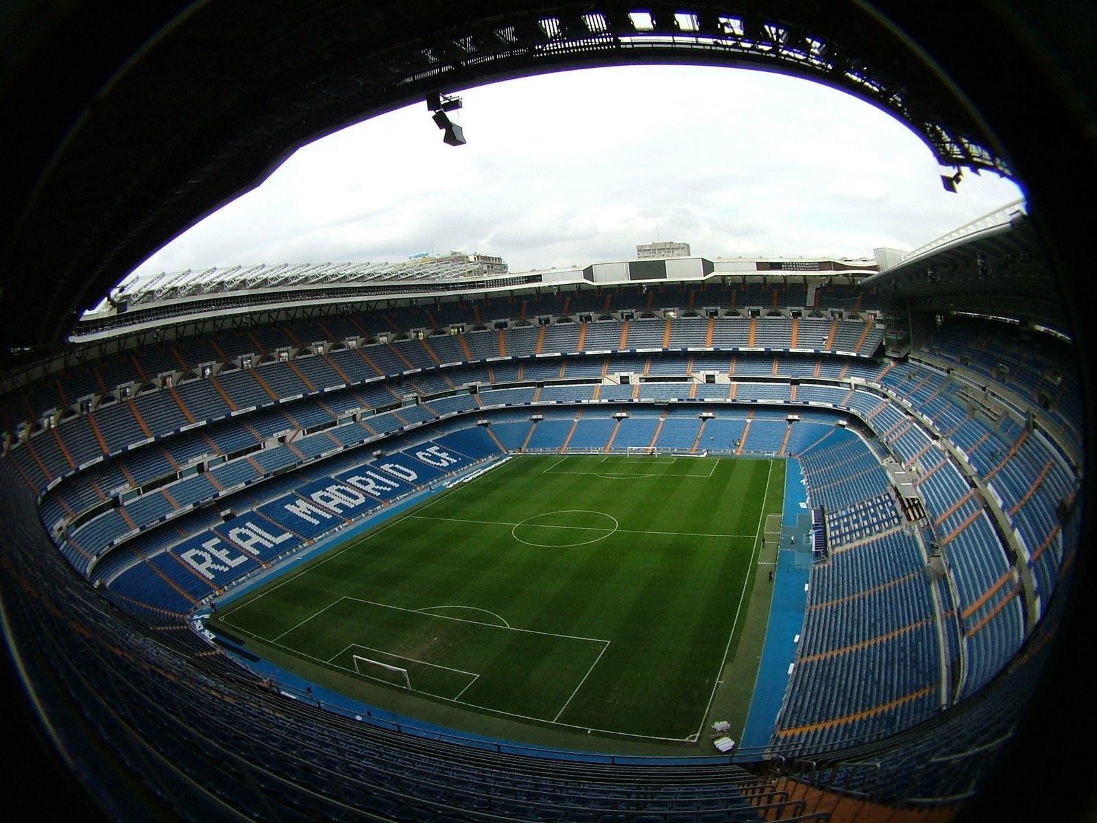 مايكروسوفت تتفاوض مع نادي ريال مدريد لرعاية ملعب سانتياغو بيرنابيو
