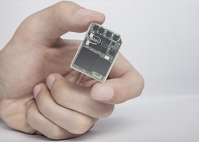 CES 2014: إنتل أديسون .. كمبيوتر في حجم بطاقة الذاكرة SD - عالم التقنية