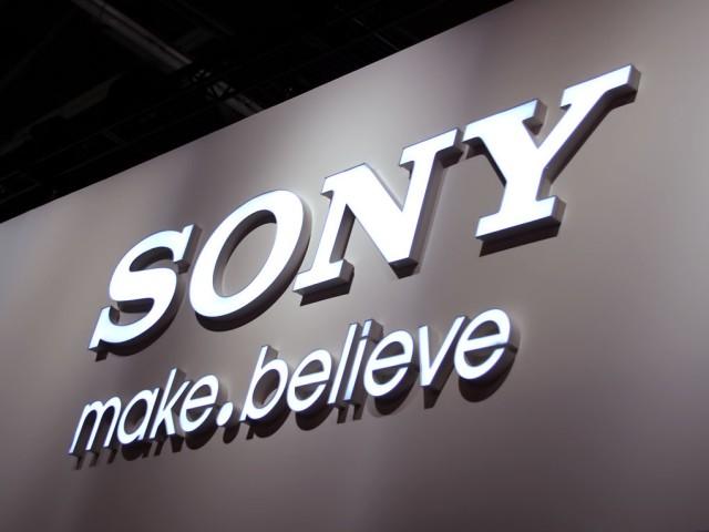 سوني تعمل على جهاز بشاشة ٦-بوصة وتتوقع انخفاض المبيعات