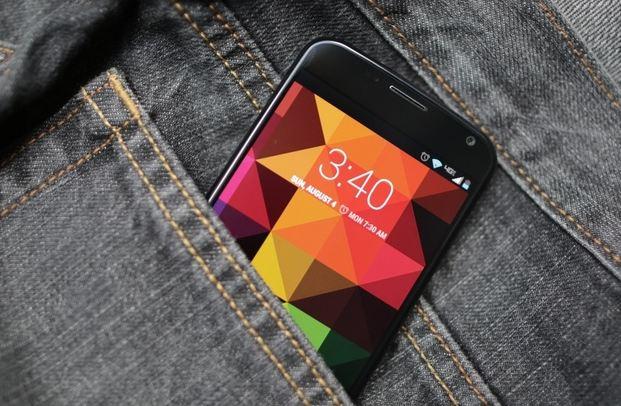 moto x تخفيض سعر هاتف Moto X مفتوح العقد إلى 399$