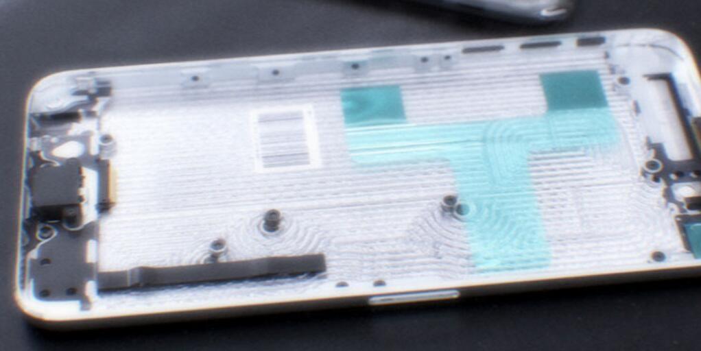 BgTuAQwCAAAnlJt.jpg large 150x150 هل هذه أول الصور الحقيقية لهاتف آيفون 6؟
