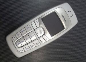 Nokia 6010 300x217 أكثر الهواتف مبيعا على مر التاريخ