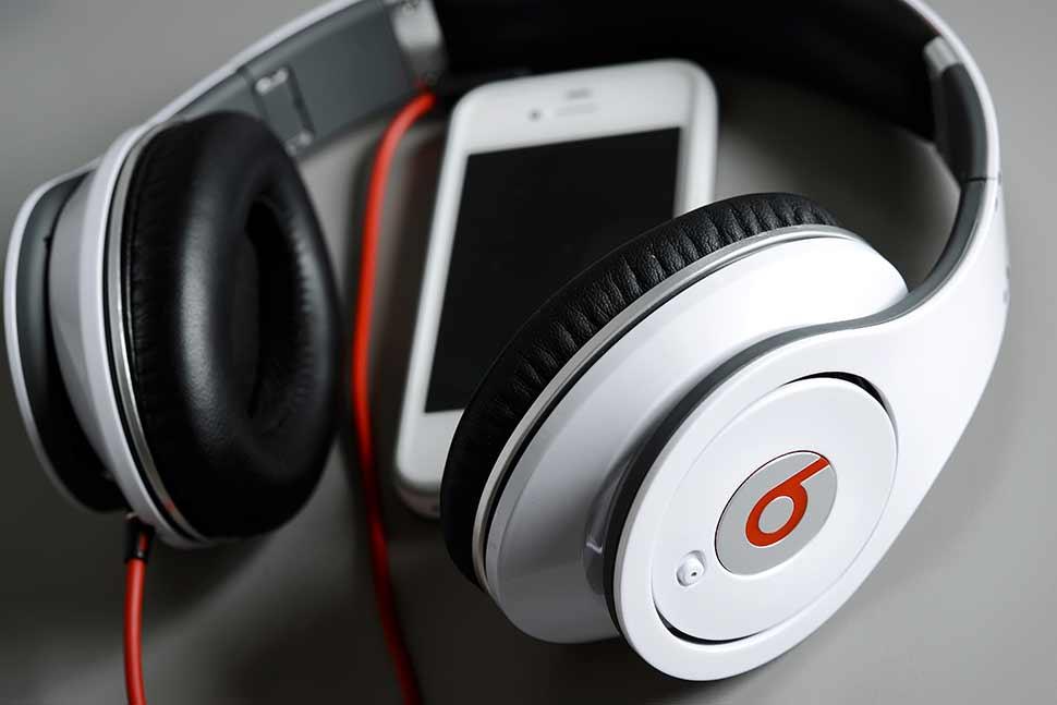 تستحوذ رسمياً Beats بمبلغ مليار