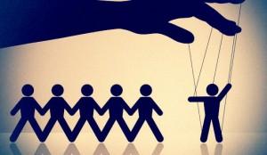 التلاعب السياسي