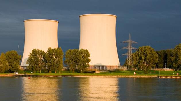nuclear-cooling-towers-andy-rudofer-flickr