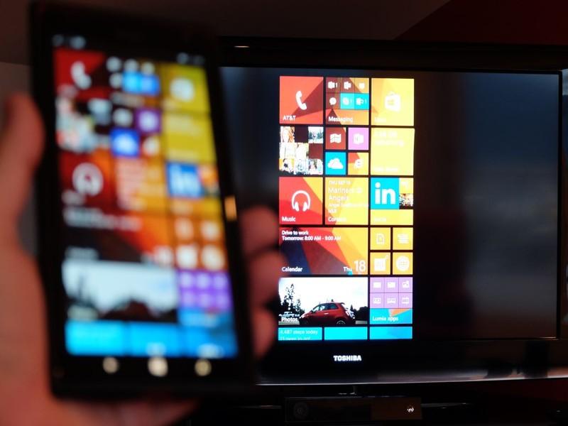 22225 مايكروسوفت تكشف عن المُحوِّل العرض اللاسلكي Wireless Display Adapter
