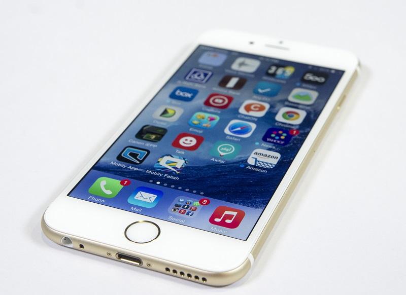 تيم كوك يؤكد: آيفون 6 أكثر شعبية من آيفون 6 بلس - عالم التقنية