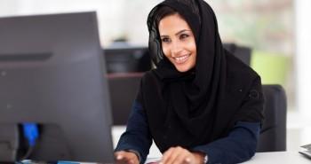 كيف ساعد موقع خمسات المرأة العربية على العمل من المنزل وعبر الإنترنت؟