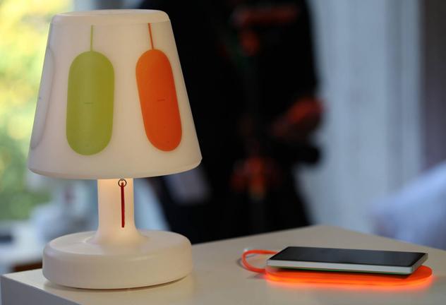 فات بوي وبلو جيجا تبتكران مصباحًا يضيء وفقًا لإشعارات الهاتف - عالم التقنية