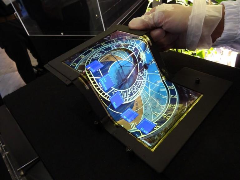 SEL-foldable-display