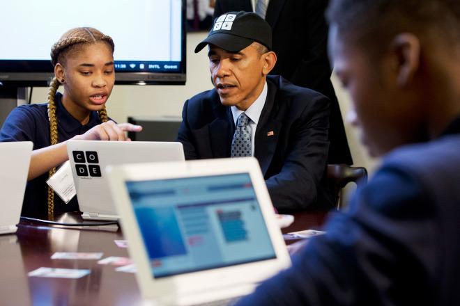 أوباما يخصص 4 مليارات لتعليم علوم الحاسوب في المدارس