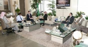 إدارة سناب شات تجري محادثات مع الأمير الوليد بن طلال