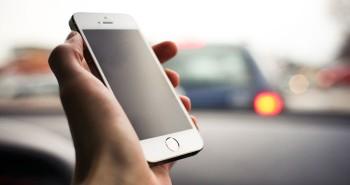 كيف تستغل وقتك الضائع في المواصلات بواسطة هاتفك الذكي