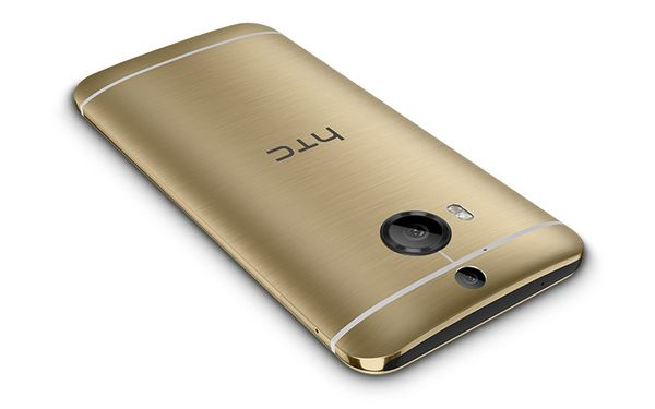 htc-one-m9-plus-gold-press-render
