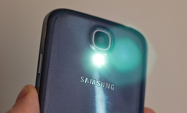 samsunggalaxys4-flashlight