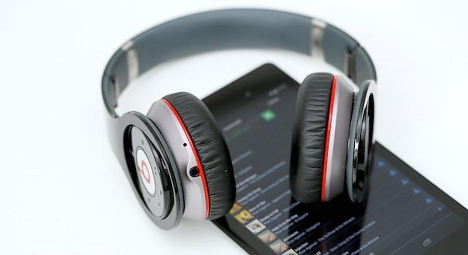 أفضل التطبيقات المجانية لتحميل الموسيقى مجّانًا على أندرويد