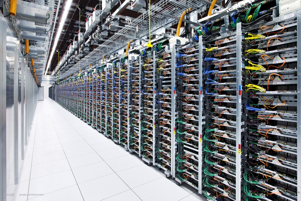 كيف تحمي كبرى الشركات التقنية مراكز بياناتها وشبكاتها