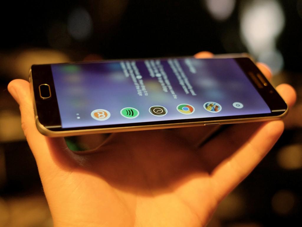 سامسونج جالكسي إس 7 سيخرج بشاشة منحنية فقط