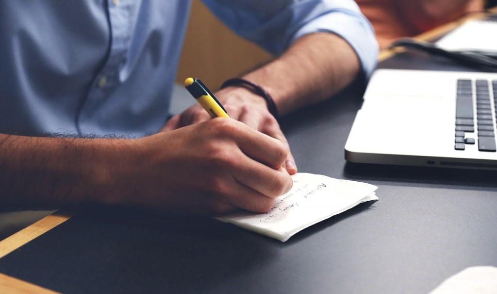 كيف تبحث عن كاتب محتوى جيد
