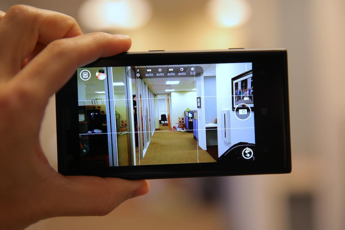 تطبيق Lumia Camera من مايكروسوفت الآن يدعم هاتف Nokia Lumia 1020