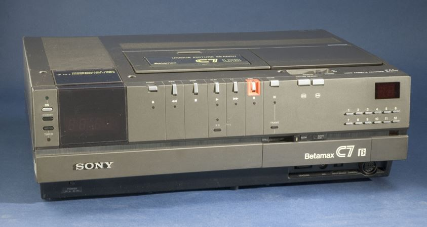 بعد 40 عاما سوني تعلن نهاية BetaMax