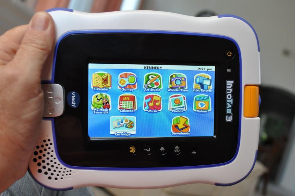 ما هو الدافع وراء اختراق VTech المتخصصة في إنتاج حواسب لوحية للأطفال
