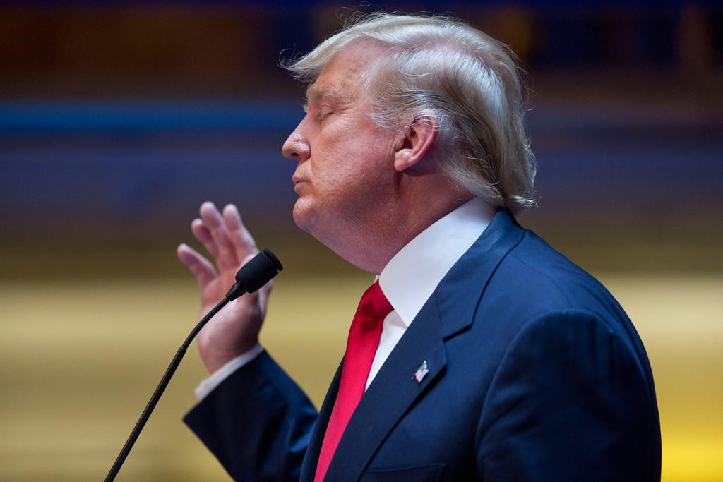 دونالد ترامب ينوي إجبار أبل لتصنيع كافة منتجاتها داخل الولايات المتحدة