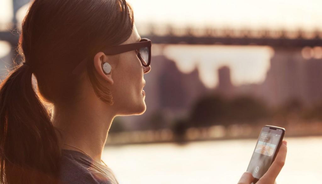 آبل تطور سماعات لاسلكية جديدة لتطلقها مع آيفون 7