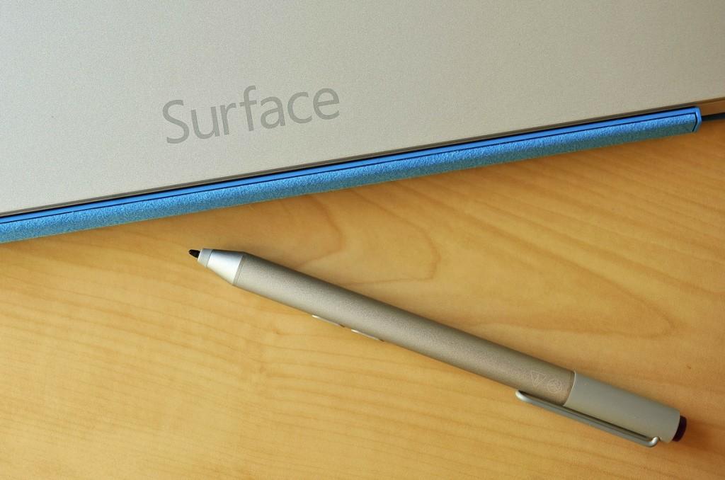 مايكروسوفت تخطط لإطلاق هواتف سيرفس في 2017
