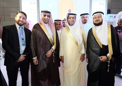 جانب من زيارة معالي وزير الإسكان / ماجد بن عبد الله الحقيل، جناح الاتصالات السعودية
