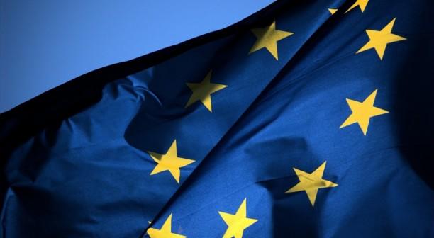 الاتحاد الأوروبي يناقش إجبار الشركات على السماح بإزالة التطبيقات المثبتة مسبقاً