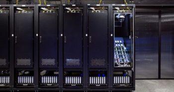 فيسبوك يختبر آلاف الأجهزة لتحسين استهلاك البطارية