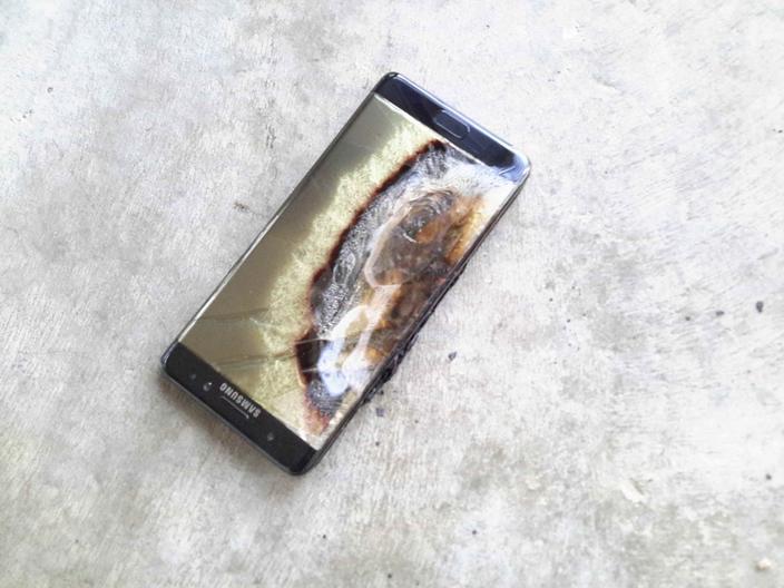 سامسونج جالكسي نوت 7 محترق