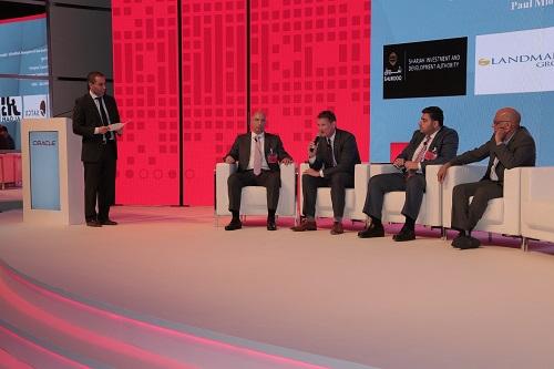 جلسة حوار خاصة خلال قمة أوراكل الرقمية