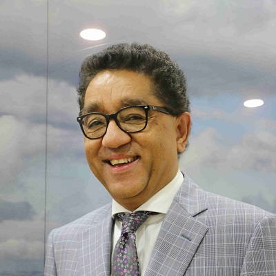 آرون خيهار، نائب رئيس التطبيقات السحابية في شركة'Oracle'