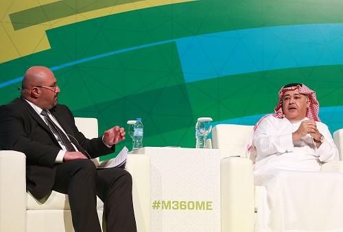 البياري اثناء حديثه في مؤتمر GSM بدبي