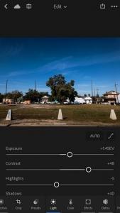 أدوبي تُحدّث تطبيقها Lightroom بواجهة تحرير جديدة على iOS