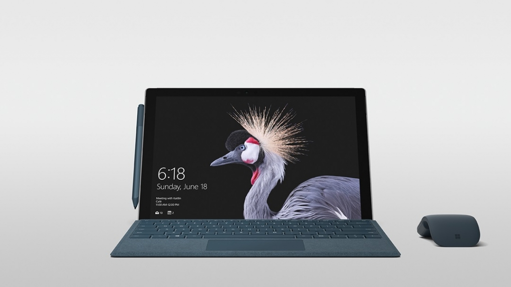 مايكروسوفت تطلق حاسب سيرفس برو جديد ببطارية تشغله أكثر من 13 ساعة