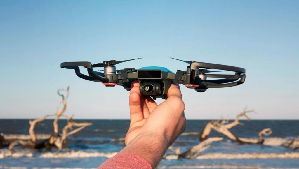 سبارك Spark، طائرة جديدة بدون طيّار من DJI تعمل عن طريق حركة اليد