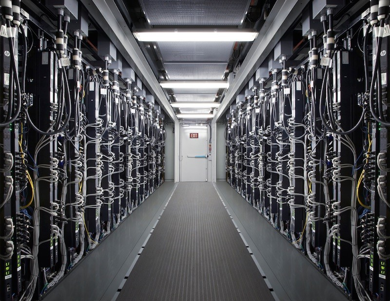 Apple-Data-Center-800x617