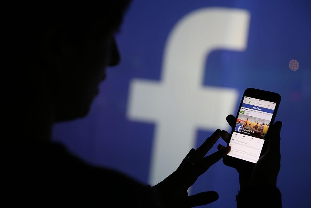 فيسبوك تُعلن عن 164 مليون مستخدم نشط شهريًا في العالم العربي