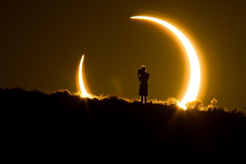 كسوف الشمس بشكل حي ومباشر على تويتر يوم 21 أغسطس