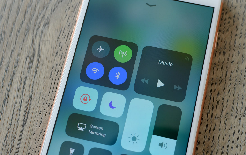 toggling wifi and Bluetooth in Control Centre doesn't actually turn them off